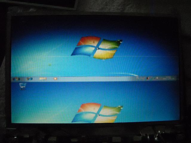 Ekran podzielony na 2 części