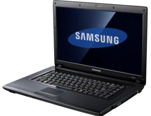 SAMSUNG R522 – brak obrazu, czarny ekran, artefakty, nie chce się włączyć – jak naprawić?
