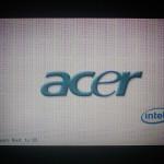 Artefakty czyli zakłócenia na ekranie pojawiające się tuż po starcie laptopa. Definitywnie oznacza to problem z kartą graficzną w laptopie Acer Aspire 5732zG.