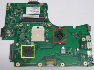 Płyta główna do laptopa TOSHIBA Satellite C650D. Na czerwono zaznaczono problematyczny układ BGA mostka północnego ze zintegrowaną kartą graficzną a na żółto układ mostka południowego. Model płyty głównej to MANAUS 10AD MAS10AD 6050A2357401-MB-A02.