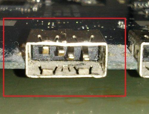 Uszkodzenie portu USB – wyłamany plastik i wygięte blaszki mogą doprowadzić do drogich uszkodzeń.
