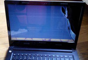 stluczona-matryca-po-upadku-laptopa